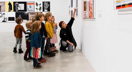 Kulturplanen beskriver hur Region Skåne vill bidra till utvecklingen av konst och kultur för alla som bor och verkar här.